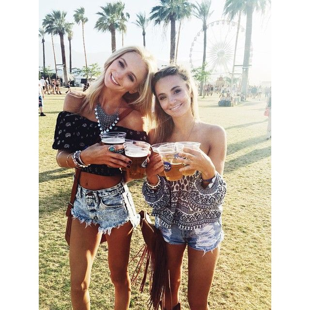 Sisters that rage together stay together #Stagecoach #Ragecoach #TakeMeBack…