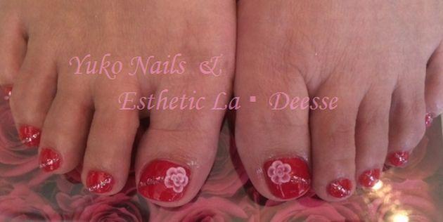 Yuko Nails And Esthetic La Deesse ジェルネイルデザイン♪ (Foot) カラーベースにポイントで3Dのバラを作った当店人気のテッパンデザイン♪