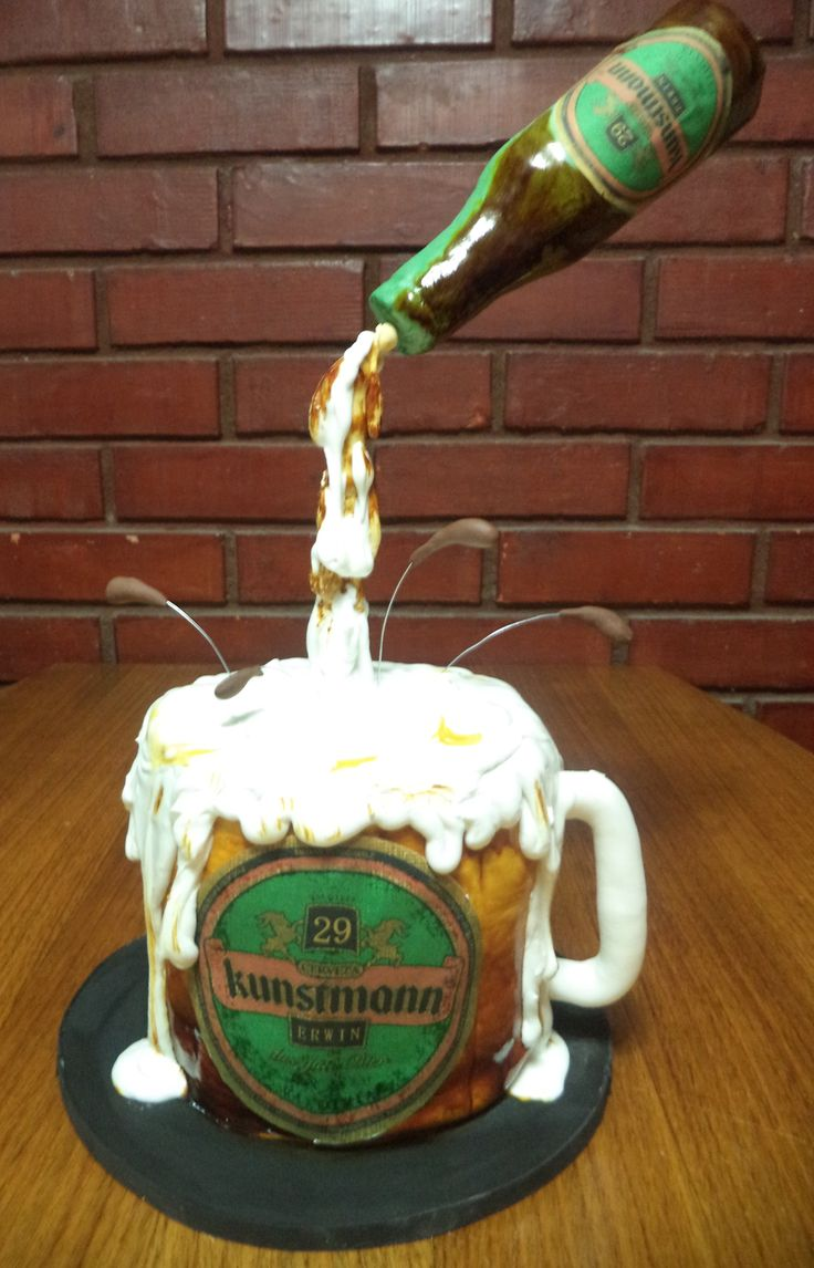 kunstmann beer fondant  cake by Volovan Productos