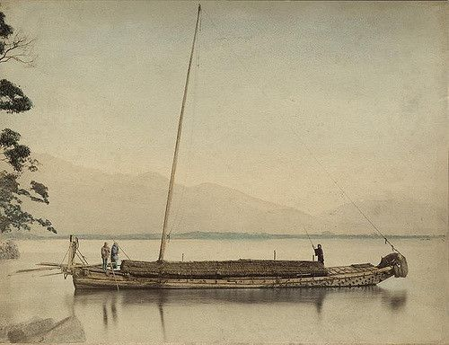 Fishermen on a boat. [Photo, a hand coloured albumine print, from a series of 42 prints at Spaarnestad Photo by Felice Beato, Kusakabe Kimbei or Raimund baron von Stillfried. Japan, around 1870-1890.]| by Nationaal Archief
