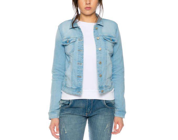 ONLY Damen Jeans-Jacke/ Übergangsjacke mit leichten Stretchanteil in modernem Look in hellblau Jetzt bestellen unter: https://mode.ladendirekt.de/damen/bekleidung/jacken/jeansjacken/?uid=377179d9-1a5a-563d-aab4-7bfb514679e6&utm_source=pinterest&utm_medium=pin&utm_campaign=boards #jeansjacken #bekleidung #jacken