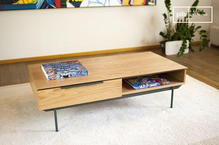 Il tavolo basso Jackson porterà un tocco nordico nei vostri interni. Il verde scuro dei piedi e delle maniglie offre un contrasto molto bello con il colore chiaro del legno di quercia che caratterizza tutto il resto del tavolo.