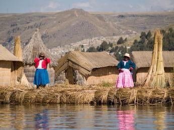 Uros - de flydende sivøer på søen Titicaca i Peru