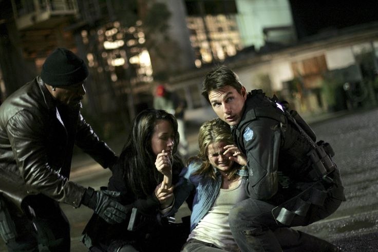 Still of Tom Cruise, Ving Rhames, Keri Russell and Maggie Q in Mission: Impossible III (2006) http://www.movpins.com/dHQwMzE3OTE5/mission:-impossible-iii-(2006)/still-1905626112