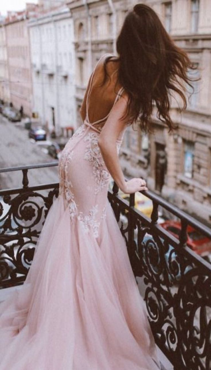 evening gown in pink with flowers, so romantic that its a perfect style for Paris! blush floral look, bohemian and cute with open back, dinner date or engagement party look.