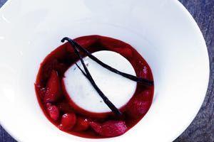 Semifreddo med hindbær og nøddeblonder - 100% nem dessert! - Måltid