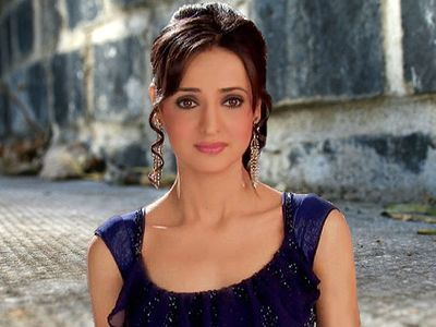Sanaya Irani shoots in the middle of the fire for Rang Rasiya! - http://www.bolegaindia.com/gossips/Sanaya_Irani_shoots_in_the_middle_of_the_fire_for_Rang_Rasiya-gid-36906-gc-16.html
