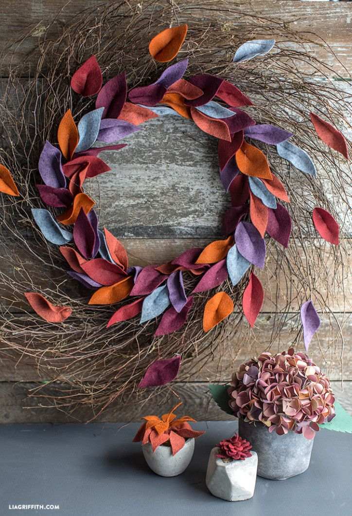 DIY Fall Felt Leaf Wreath from MichaelsMakers Lia Griffith