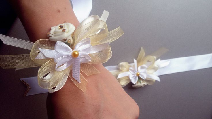 Wedding wrist corsage, Fabric Wrist Corsage,Bridal Corsage,Mother of the Bride by Rocreanique
