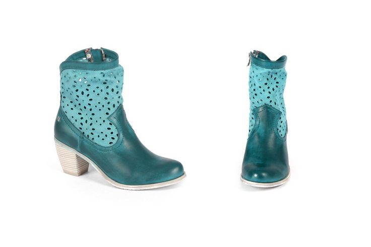 Stivale con tacco medio stile texano Maria Mare in turchese. Mid-heel boot cowboy style in turquoise colour. Shop on line www.calzaveste.it