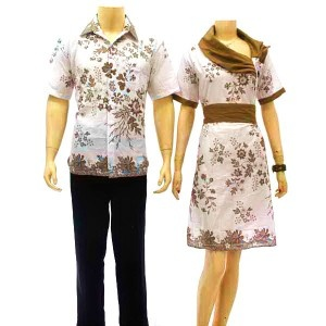 jual batik sarimbit murah, dengan busana kembar pria wanita ( couple ) model dress . Kombinasi warna dan motif yang sangat cantik dan serasi nampak indah menawan saat dikenakan bersama. Cocok sekali untuk acara pesta, silaturahmi keluarga, untuk pemesanan silakan hubungi no 0856-5562-8878 via sms,