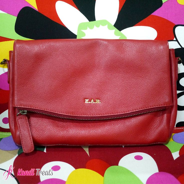 Doll, let's give our big bags a break and shift our attention to clutch bags that are durable, stylish and versatile. Click the link below for more details.  Fiery Red Monogrammed Cluth Php2800