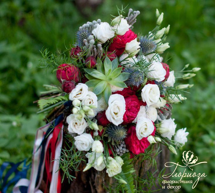 wedding bouquet sea red