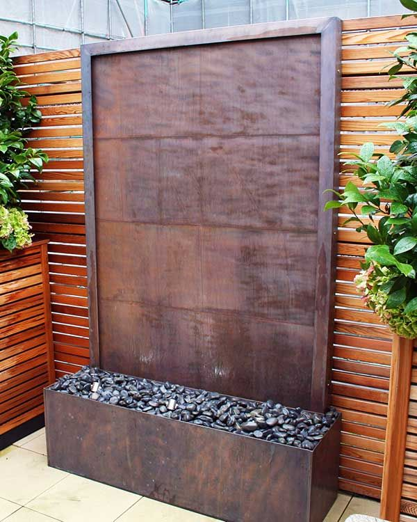 Garden Feature Wall: Copper Water Wall