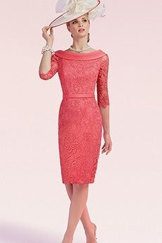 Sheath/Column Bateau Knee-length Lace Mother of the Bride Dress