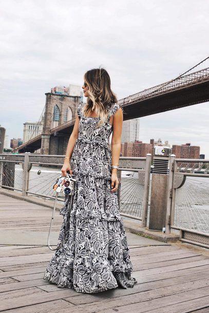 We Love Cool Blogger The Girl From Panama Pam Hetlinger's Dressed Up Street Style Vibe Black And White Paisley Printed Ruffled Rah-Rah Style Sleeveless Maxi Dress Tumblr