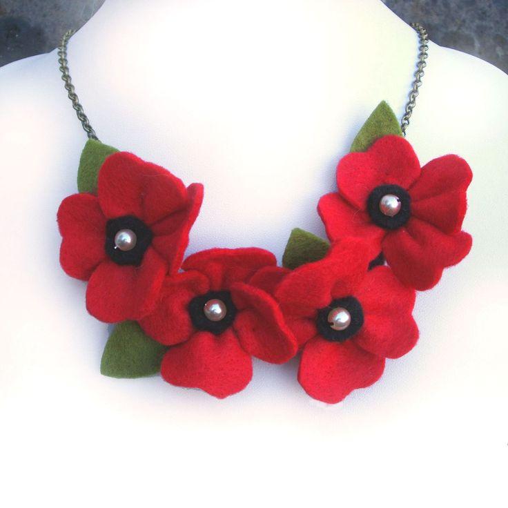 Collar rojo de amapolas amapolas y perlas flor por CraftyJoDesigns