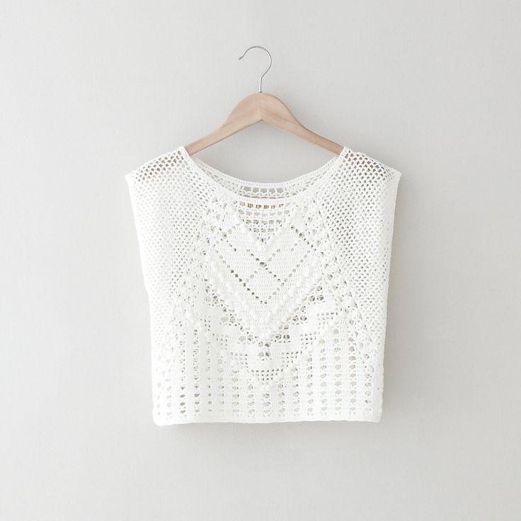 Idee d un top en crochet (plus long) à porter avec un debardeur fine bretelle en soie