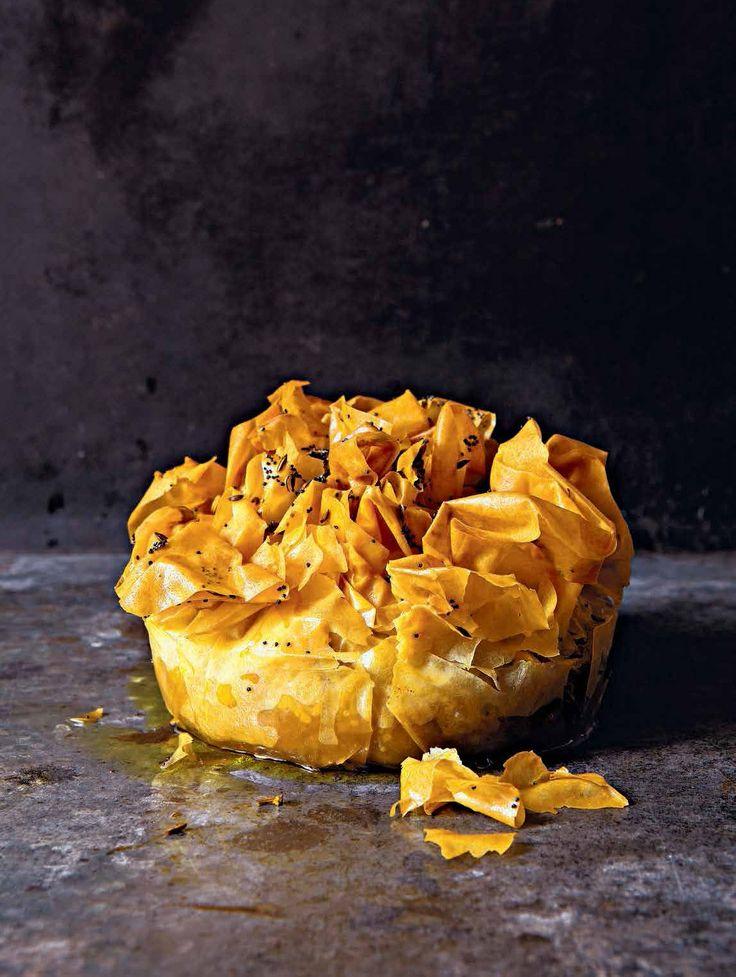 Een van onze favorieten! Dit keer een vegetarische pastei met filodeeg van Stéphane Reynaud. Kijk; http://www.fontaineuitgevers.nl/wp/wp-content/uploads/9789059565098-PasteiPate.pdf