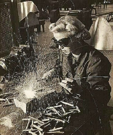WENDY THE WELDER - Photograph at BetterPhoto.com
