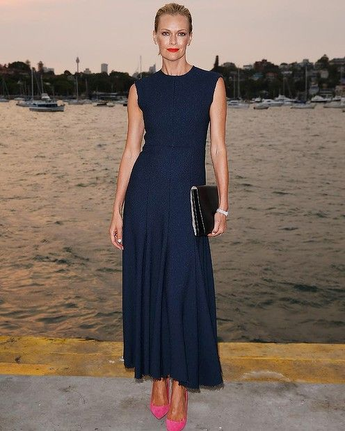 Sarah Murdoch poses for Photos the November issue of Vogue! | Celebrity News Latest GossipCelebrity News Latest Gossip
