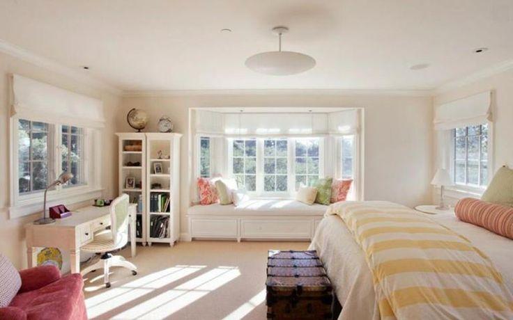 White Hamptons Style bedroom