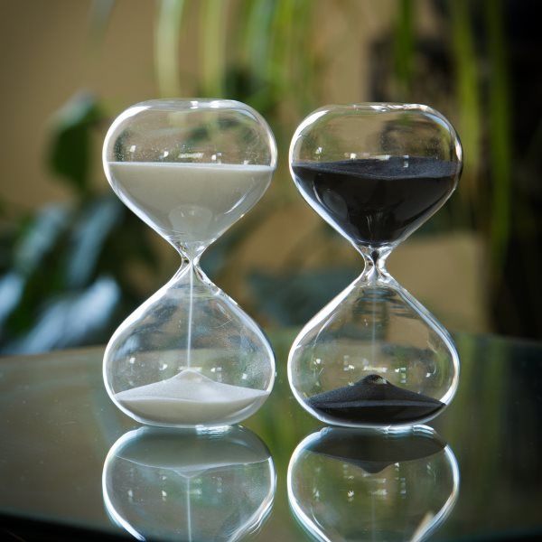 """<p><strong> </strong></p> <p>Standing 6.7"""" tall this modern sand timer makes a beautiful gift and it's flat base and shorter design makes it very sturdy as well!</p>"""