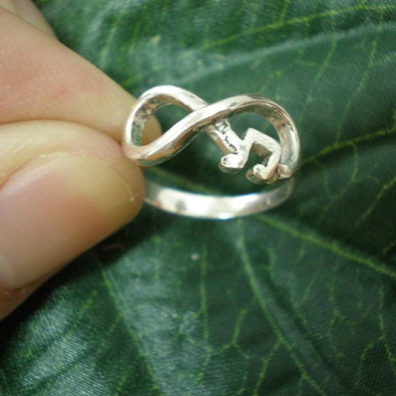 Personalized Music Note Infinity Ring  Any Music by yhtanaff, $42.00 #infinity #music I want this. A lot.
