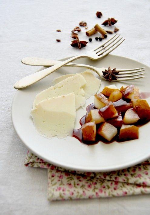 Formaggio in cucina: formaggio di fossa e pere… al contadino non far sapere! | Honest Cooking Italia