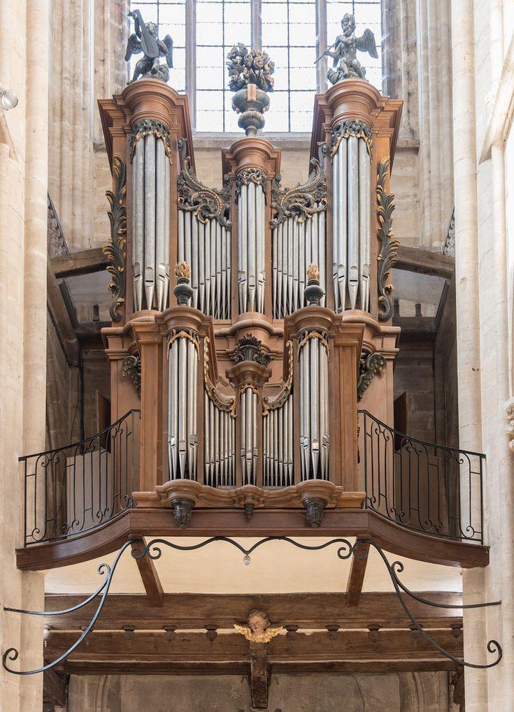 Orgues (facteur Charles-Joseph Riepp (1710-1755) – collégiale Notre-Dame de Semur-en-Auxois (Côte-d'Or, France)