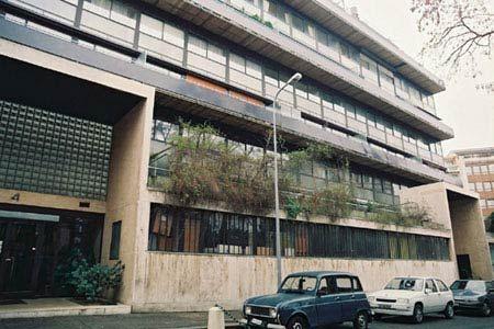 Ле Корбюзье. Le Corbusier. Многоквартирный дом Кларте  (Immeuble Clarté), Женева, Швейцария. 1930