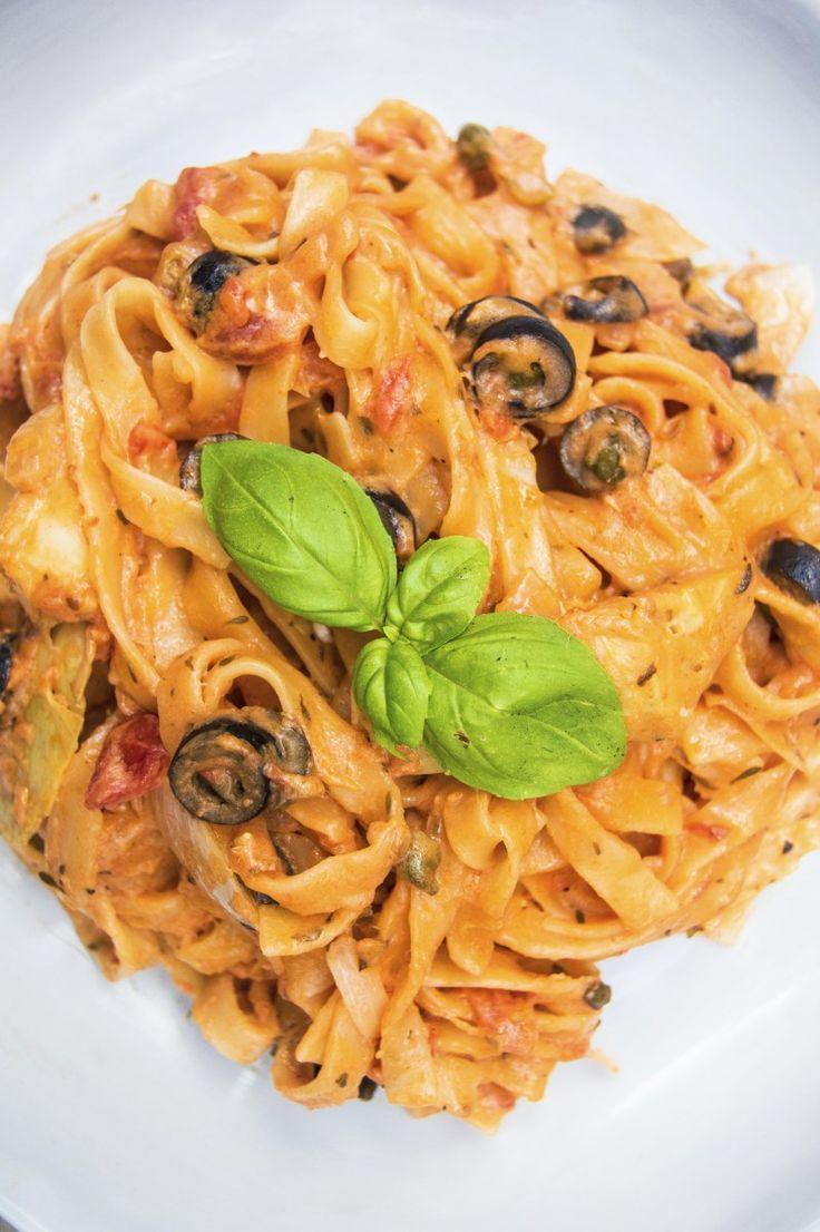 My Vibrant Kitchen   Vegan Creamy Tomato Mediterranean One Pot Pasta   http://myvibrantkitchen.com