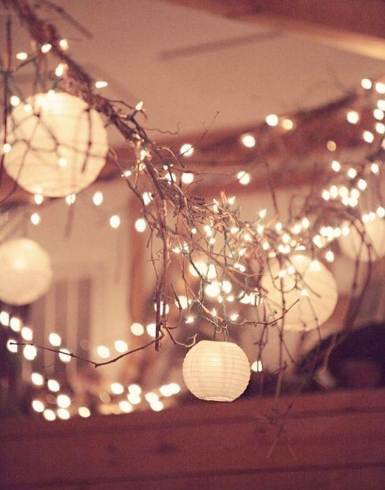 きらきら明かりでお出迎え♡『フェアリーライト』で飾る素敵なウェルカムスペース10選*にて紹介している画像