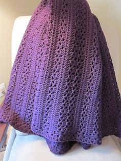 Country Cozy Afghan, free pattern (archived) by Caron. Pic from Ravelry Project Gallery. Pretty textures with simple stitches - DC, V-stitch, & granny clusters. Open stitch pattern would be nice for warmer weather. . . ღTrish W ~ http://www.pinterest.com/trishw/ . . . #crochet #blanket #throw