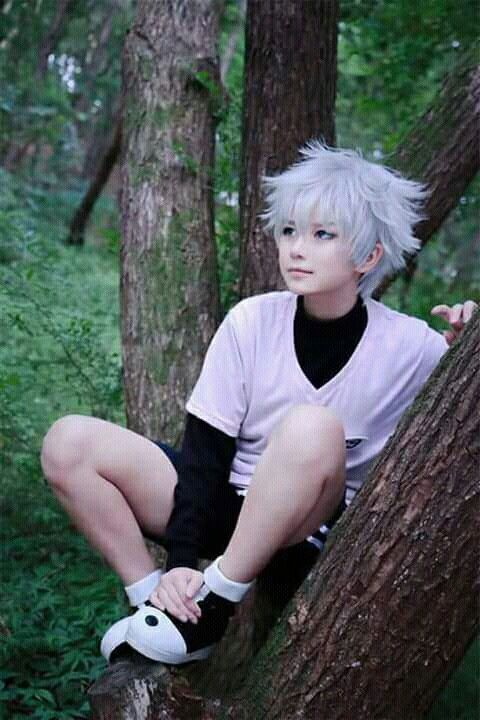 OMG THIS IS THE MOST ACCURATE COSPLAY I'VE SEEN IN MY LIFE    KILLUA