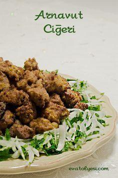 Arnavut ciğeri benim en sevdiğim yemek tariflerinden biridir. Helede yanına yapacağınız soğan salatası ile. Aynı zamanda yapılışı da çok zaman almıyor. Umarım sizde benim kadar bu yemeği seviyorsunuzdur:) Arnavut Ciğeri (Ciğer Tava) Yazdır Hazırlama Süresi 10 dakika Pişme Süresi 210