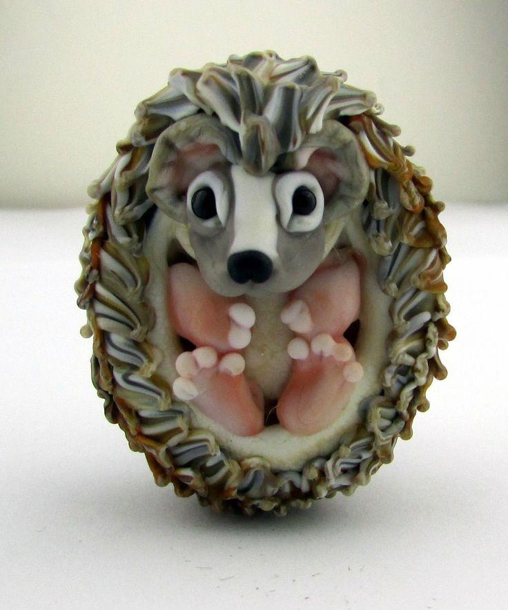 Joy Munshower - hedgehog bead.