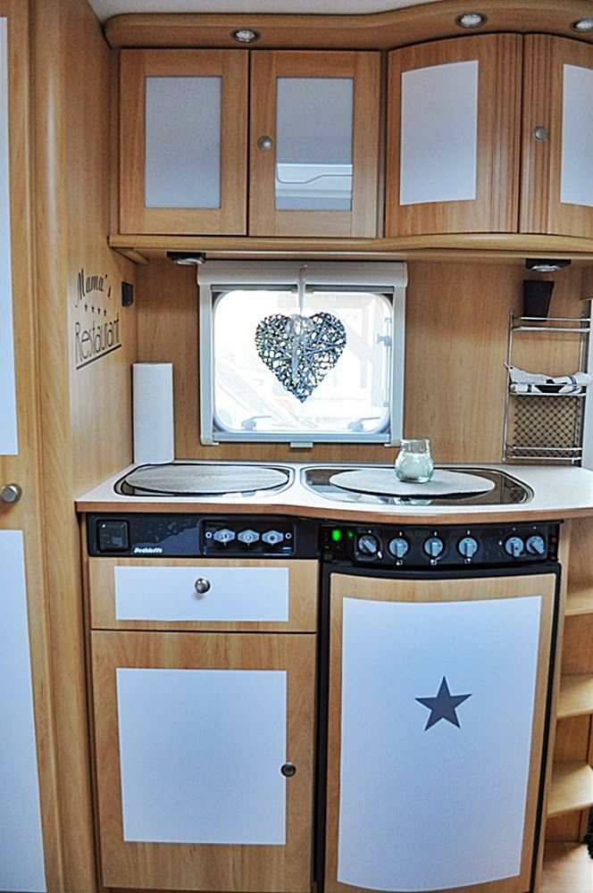 die besten 25 camper innen ideen auf pinterest vintage wohnmobil innenraum camper renovieren. Black Bedroom Furniture Sets. Home Design Ideas