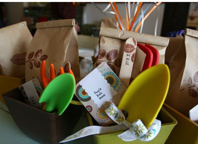 having a garden themed party here is just about the cutest party favours i have. beautiful ideas. Home Design Ideas