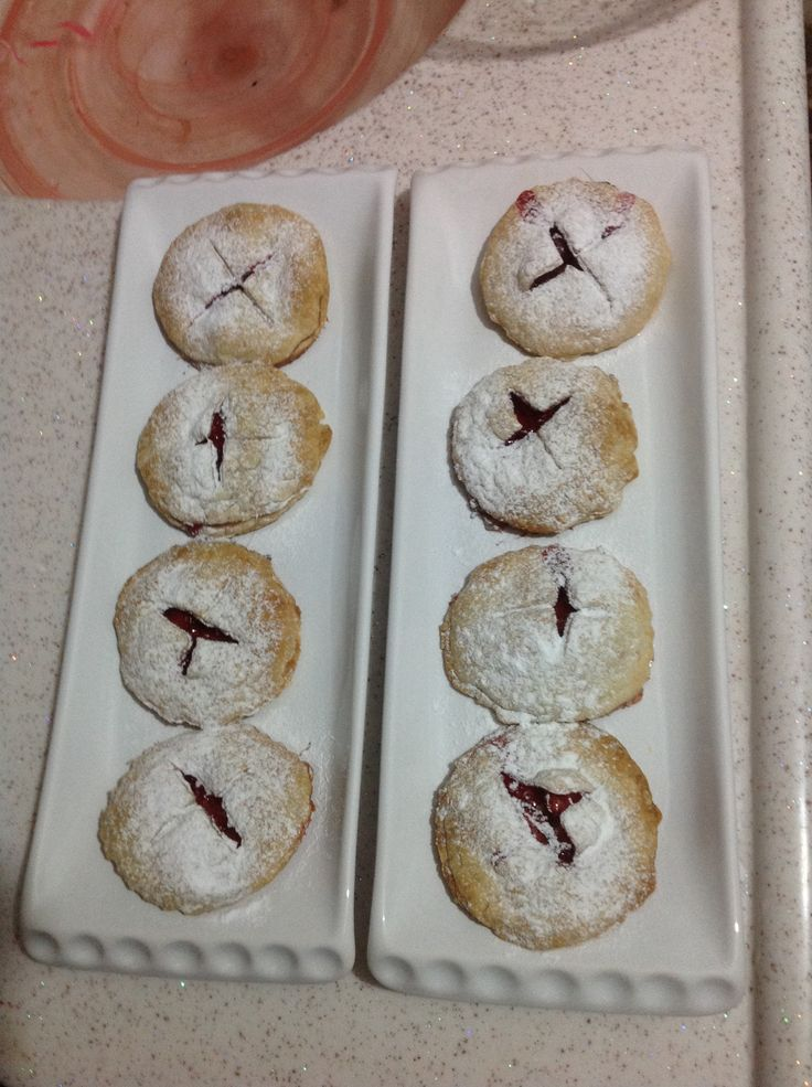 Strawberry cookie with flaked pastry #strawberry #cookie #flakedpastry
