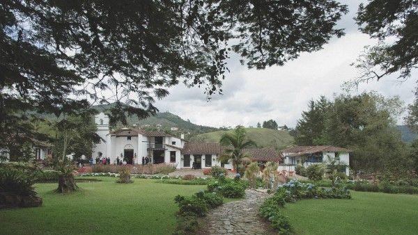 Timeless-Romantic-Colombian-Wedding-Maloman-Studios (3 of 26)