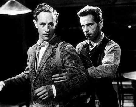 Leslie Howard and Humphrey Bogart in Petrified Forest