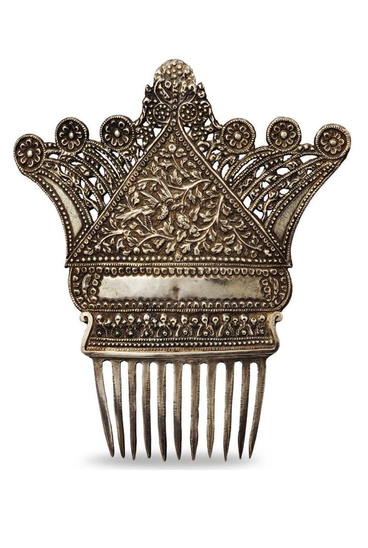 Indonesia ~ Aceh or North Sumatra | Ornamental comb with birds; silver | Worn in a hair bun such combs signified that a woman was married. ||| Source; Ethnic Jewellery from Indonesia: Continuity and Evolution. Bruce W Carpenter. Pg 56
