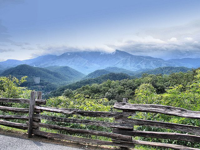 Best 25 smoky mountains tennessee ideas on pinterest Best mountain view cabins in gatlinburg tn
