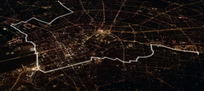 Overview of the LICHTGRENZE © Kulturprojekte Berlin. WHITEvoid / Christopher Bauder. Click above to see larger image.