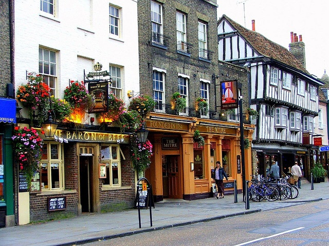 I'd like to visit a few English Pubs (these are in Cambridge)...