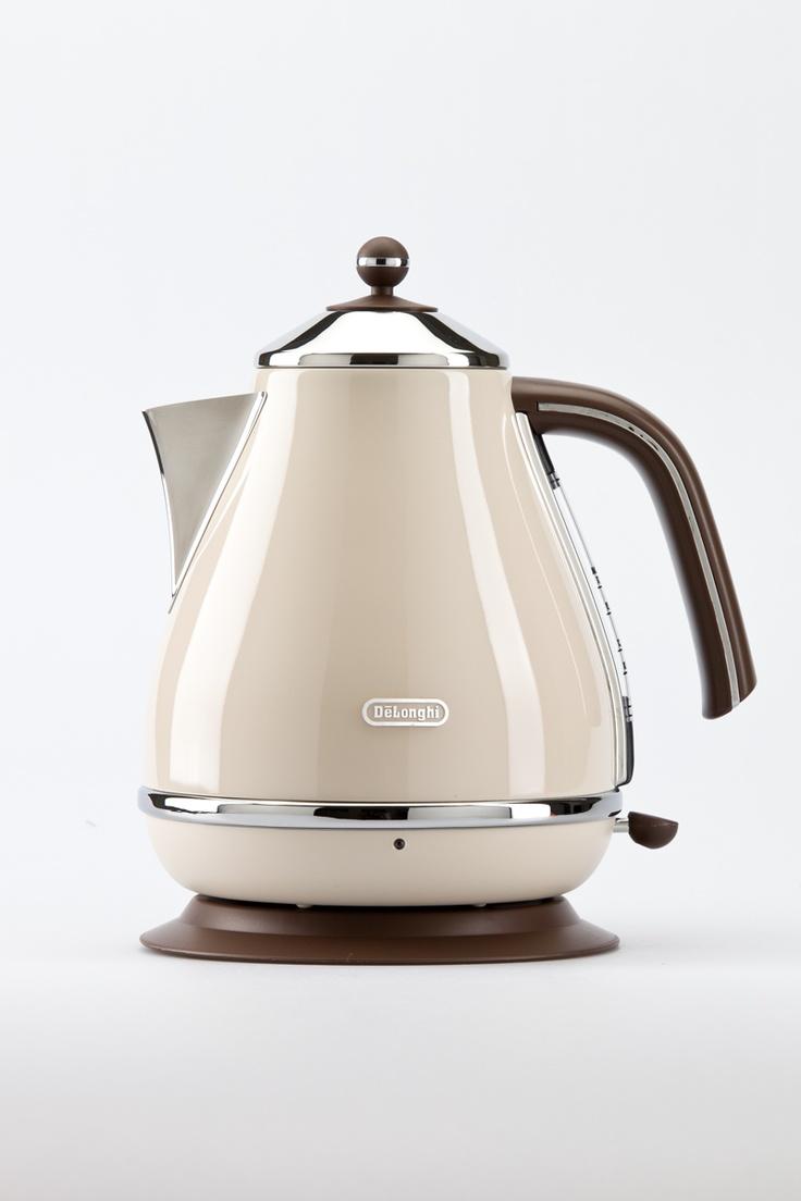 Myer, DELONGHI vintage kettle $149