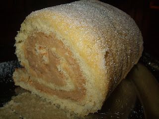 Gâteau roulé au sucre à la crème