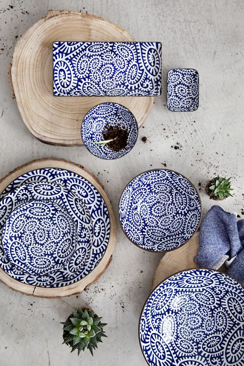 Opdrachtgever, Millermedia voor Tokyo Design Studio. Styling, Iris van der Meer. Fotografie, Peggy Janssen. Servies, tableware, ceramics, food, colorful, blue,concrete, plants, creative, print, wood