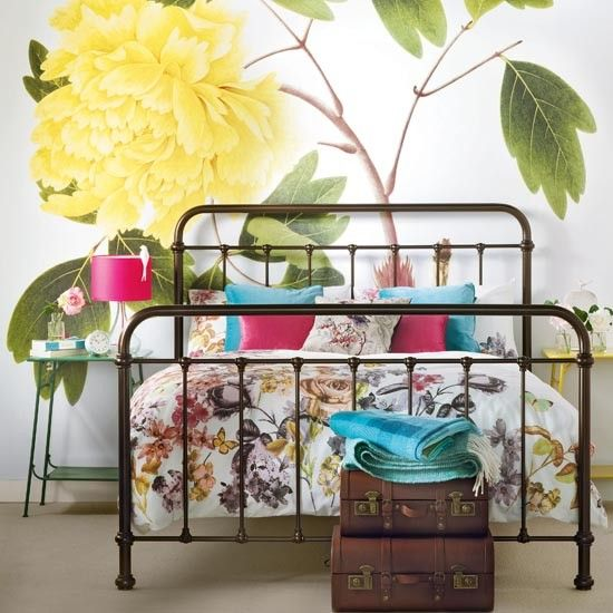 Retro Bedroom Wallpaper Bedroom Ideas Yellow Walls Eclectic Bedroom Decorating Ideas Kids Bedroom Wallpaper Designs: Childs Bedroom, Feature Wallpaper And Country